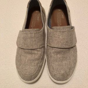 Toms Slip on with Velcro